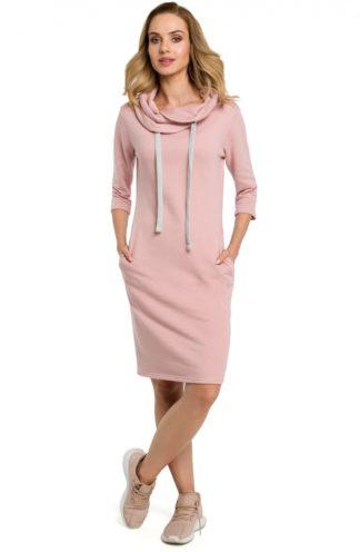 Sportowa sukienka z kołnierzem różowa