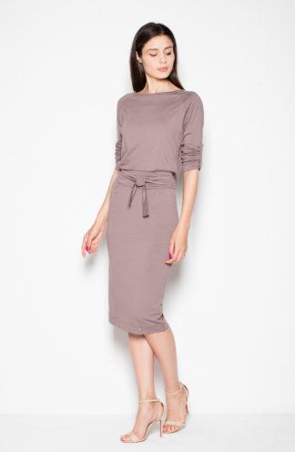 Sukienka do pracy wiązana w pasie brązowa