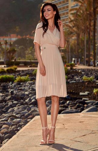 Plisowana sukienka z dekoltem beżowa