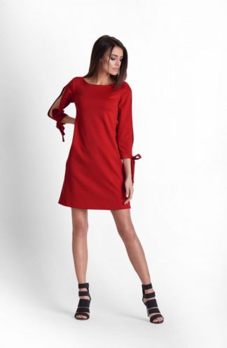 Sukienka z wyciętymi rękawami czerwona