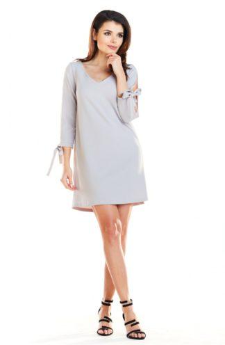 Sukienka z dekoltem w serek szary