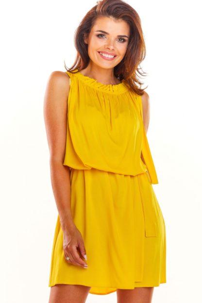 Letnia sukienka z drapowaniem żółta