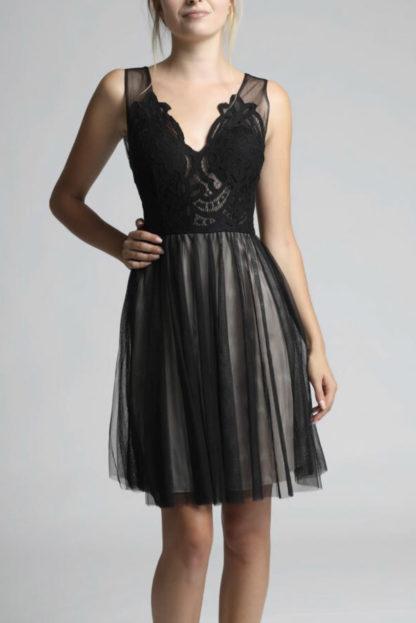 Wieczorowa sukienka mini czarna