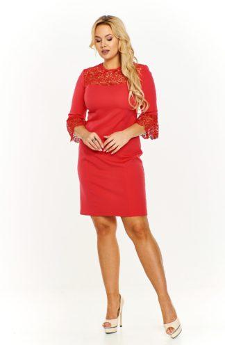 Sukienka z koronkowymi wstawkami czerwona