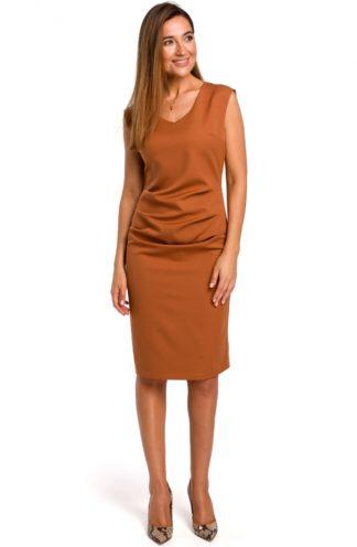 Ołówkowa sukienka z marszczeniem brązowa