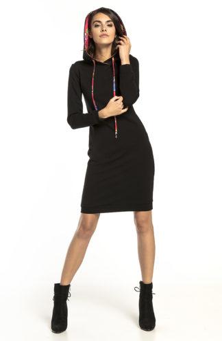 Sportowa sukienka z kapturem czarno-czerwona