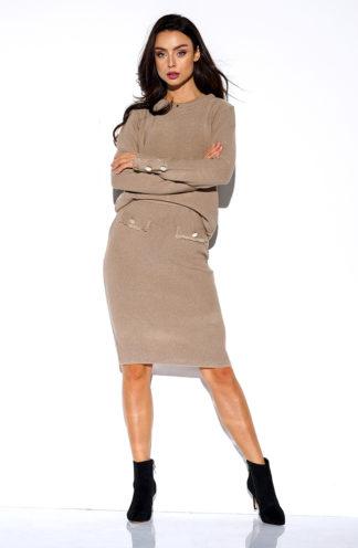 Sweterkowy komplet z rękawem jasny brąz.