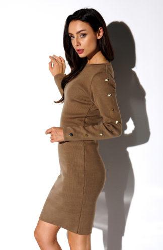 Sweterkowa sukienka z rękawami brąz