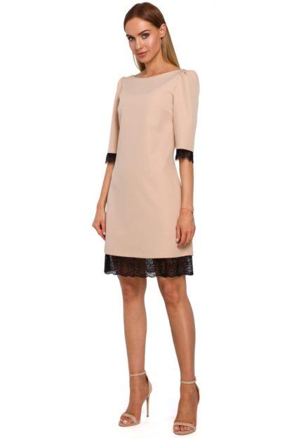 Sukienka z szerokimi ramionami beżowa