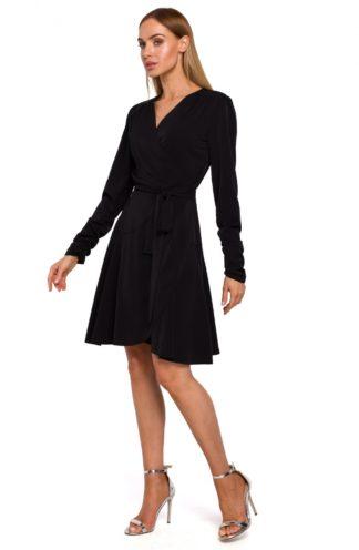 Sukienka o kopertowym kroju czarna