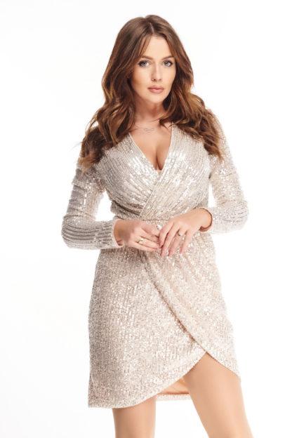 Cekinowa sukienka o kopertowym kroju