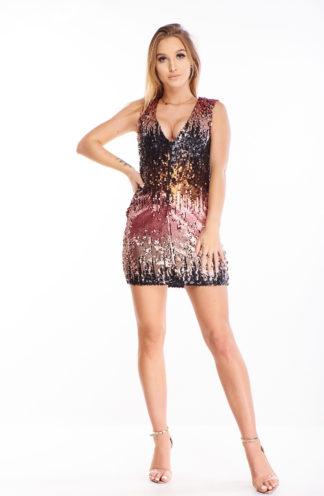 Wieczorowa sukienka z kolorowych cekinów