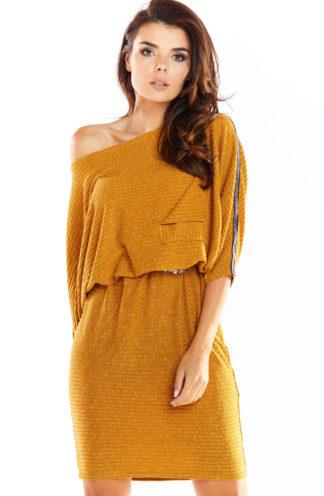 Dzianinowa sukienka oversize karmelowa