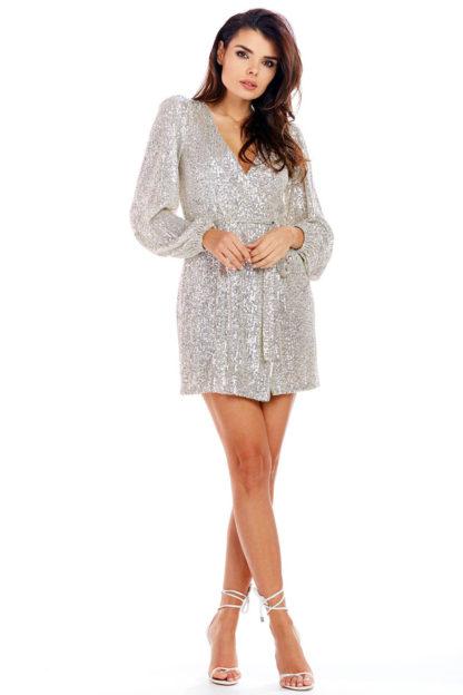 Sukienka z cekinów kopertowa beżowa