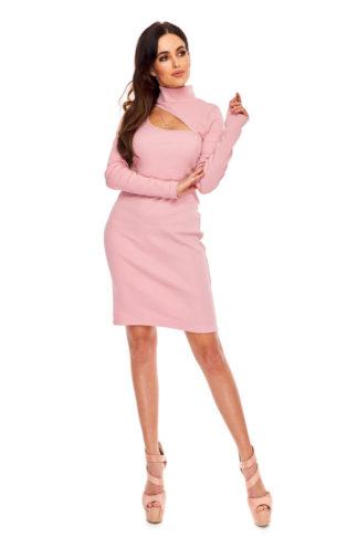 Dopasowana sukienka z półgolfem różowa