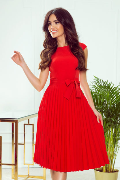 Plisowana sukienka z krótkim rękawem czerwona