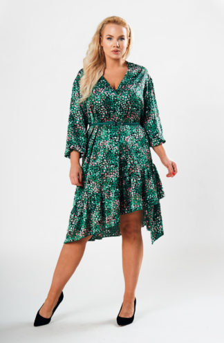 Asymetryczna sukienka z paskiem we wzory