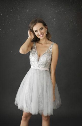 Rozkloszowana sukienka z cekinami srebrna