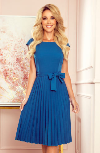 Plisowana sukienka z krótkim rękawem niebieska