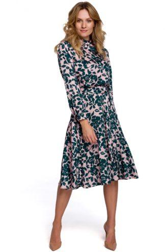 Sukienka ze stójką i wiązaniem zielona we wzory