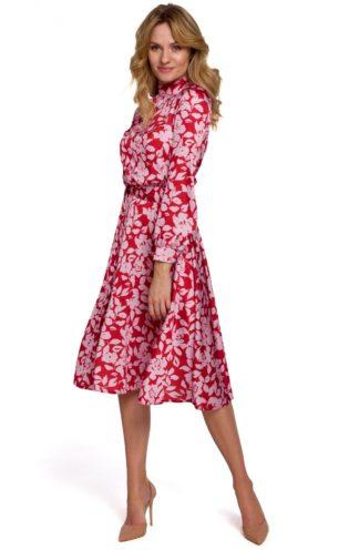 Sukienka ze stójką i wiązaniem czerwona we wzory