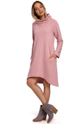 Asymetryczna sukienka z szerokim golfem różowa