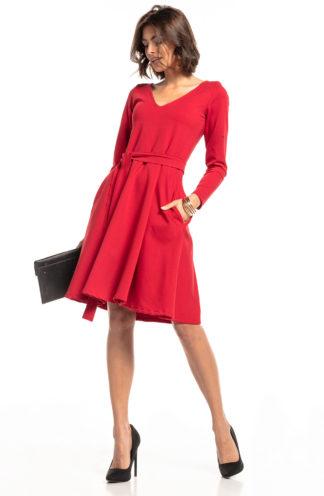 Rozkloszowana sukienka biznesowa z wiązaniem czerwona