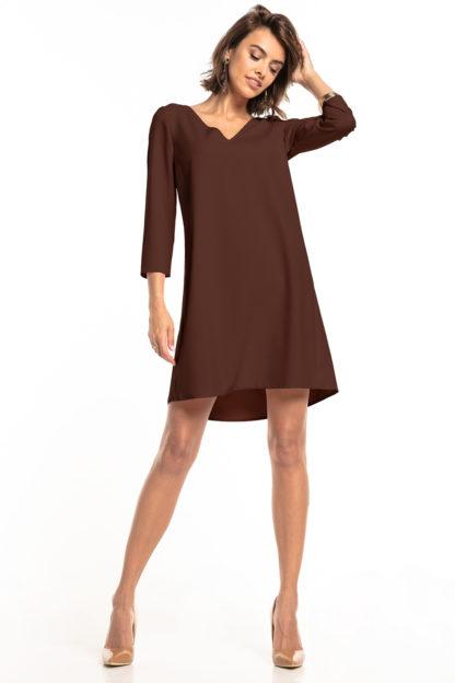 Trapezowa sukienka z dekoltem brązowa