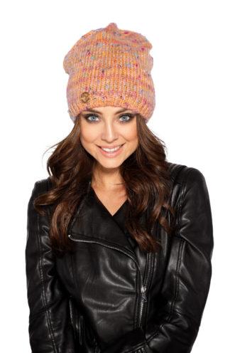 Kolorowa czapka z wełną