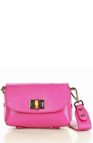 Skórzana torebka na szerokim pasku różowa