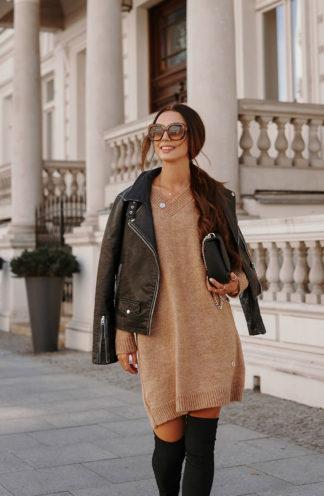Swetrowa sukienka z dekoltem brązowa