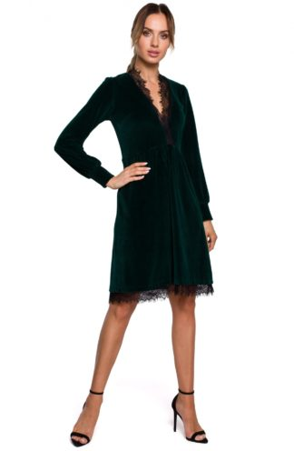 Welurowa sukienka z koronką zielona