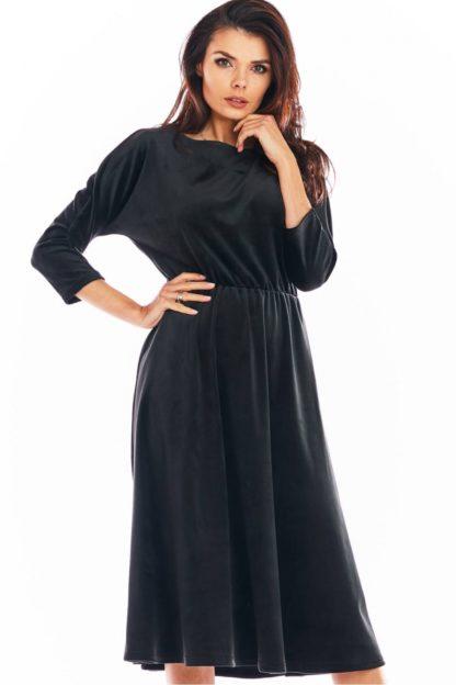 Welurowa sukienka midi z rękawami czarna