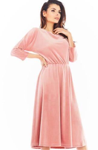 Welurowa sukienka midi z rękawami różowa
