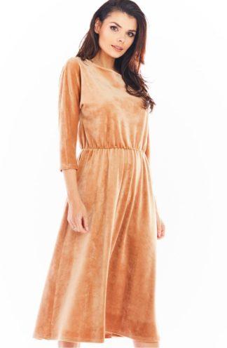 Welurowa sukienka midi z rękawami beżowa