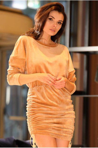 Welurowa sukienka z ściągaczami beżowa
