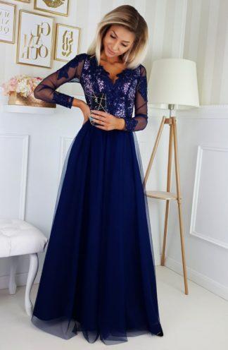 Tiulowa sukienka maxi z haftem i rękawami granatowa