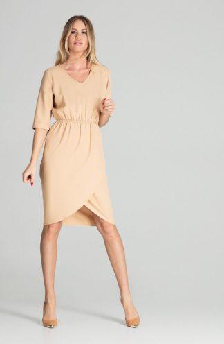 Biznesowa sukienka z zakładanym dołem beżowa