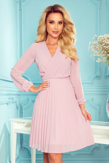 Plisowana sukienka z długim rękawem różowa