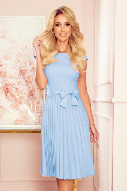 Plisowana sukienka z krótkim rękawem błękitna