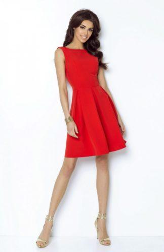 Rozkloszowana sukienka czerwona