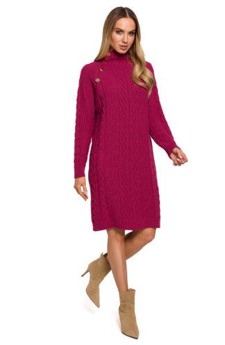 Swetrowa sukienka ze złotymi guzikami różowa