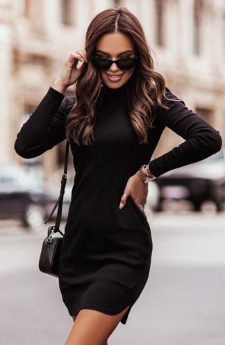 Dopasowana sukienka z dzianiny czarna