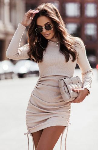 Dopasowana sukienka ze ściągaczem beżowa