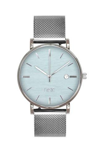 Stalowy zegarek z błękitną tarczą srebrny