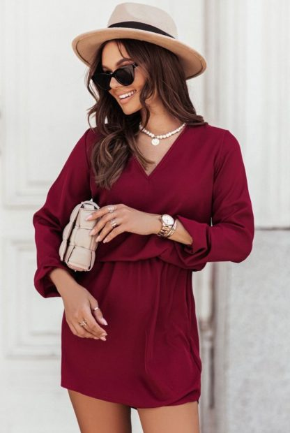 Sukienka z dekoltem bordowa