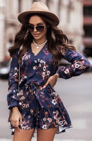 Sukienka z wiązaniem i falbaną w kwiaty